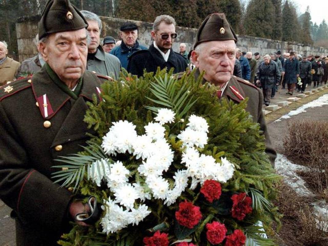 Сейм Латвии уравнял встатусе фашистов исоветских солдат— Цинизм ирусофобия