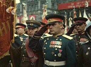 """В музее на Поклонной горе презентуют книгу-альбом  """"Парад Победы 24 июня 1945 года. Реконструкция"""""""