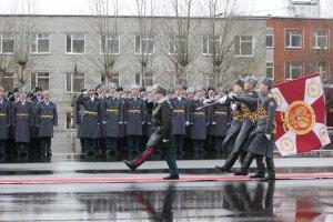 Пермскому военному институту Росгвардии вручено боевое знамя