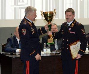 Московские полицейские награждены за высокие спортивные достижения