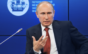 Путин скрепляет мир, разрушаемый Трампом