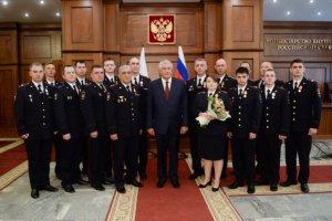 Вручены награды сотрудникам полиции, проявившим мужество при спасении людей