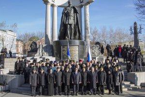 У Храма Христа Спасителя состоялась торжественная церемония вручения знамени  Управления ФССП по Москве