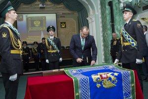 Прошла торжественная церемония прибивки полотнища знамени УФССП по Москве к древку