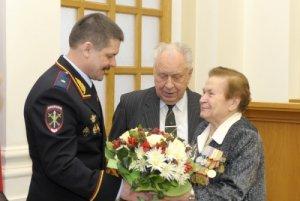 Анатолий Якунин поздравил ветеранов с юбилеем победы в Сталинградской битве