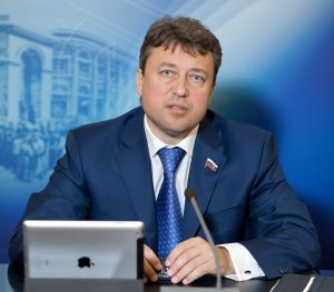 """Безопасность. """"России нужна Национальная система платежных карт"""""""